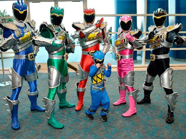 Power Rangers dijeron presente en la Comic-Con 2015  #SDCC http://t.co/U1ihSD2rAX