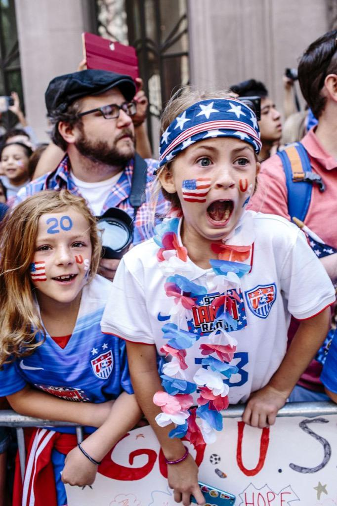 My favorite photo I've seen from the #TickerTapeParade. ##@ussoccer_wnt #FIFAWWC2015 http://t.co/lyQ0codsfZ