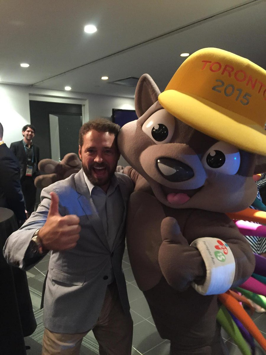 Look who I ran into! PACHI!! #PanAmGames #Toronto http://t.co/Y7uAVb9G0x