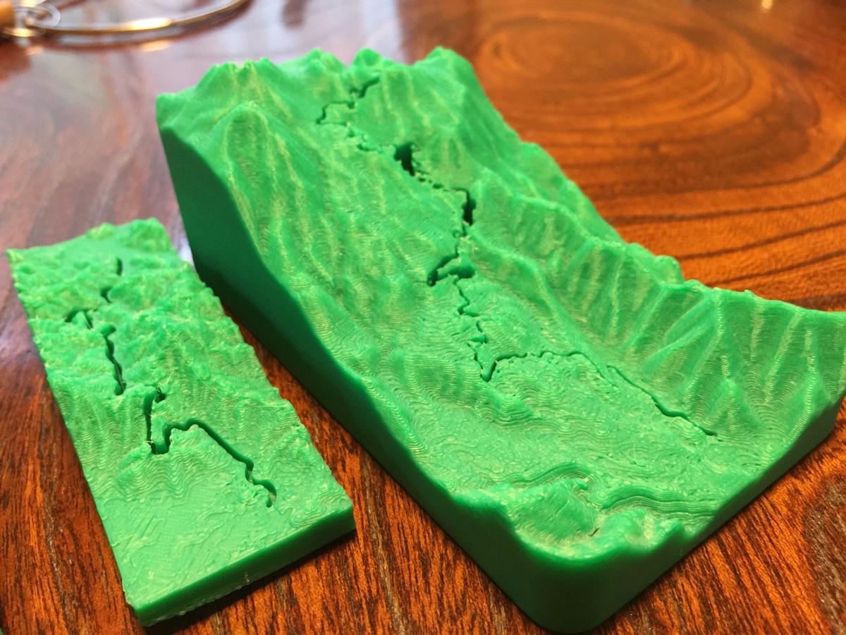 これから登る山のコースプロフィールを3Dプリンタで出してこれ見ながら打ち合わせとか人生初だ http://t.co/VIch0HjLUm