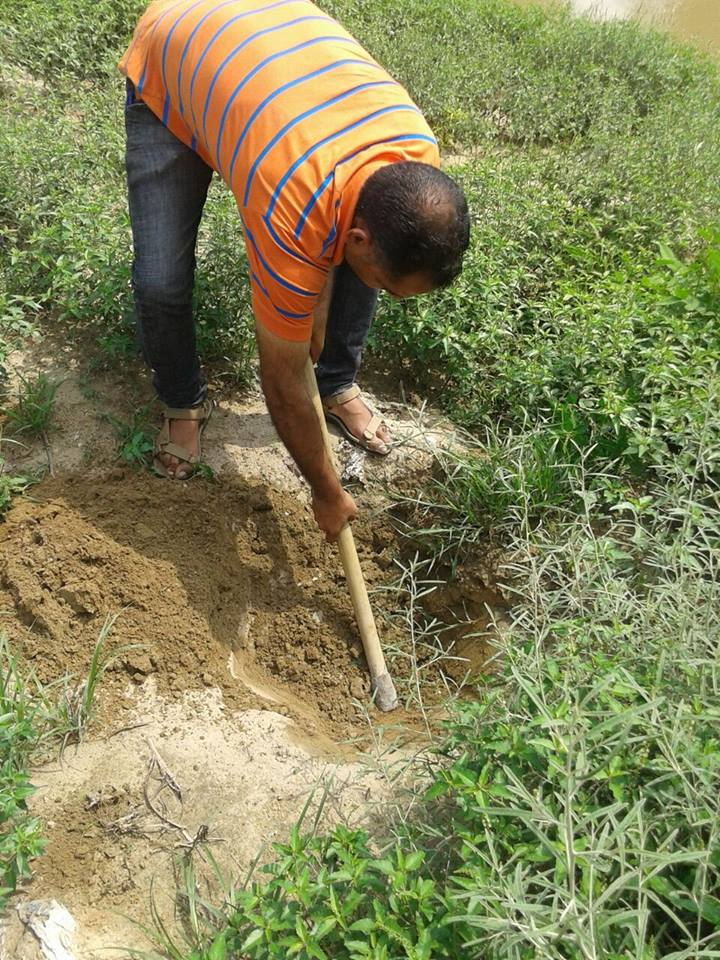 Faridkot folks are helping out - digging in  progress - #1CroreTreesIn1Hour making Punjab green again - July 19 http://t.co/bsaBG4PMXn