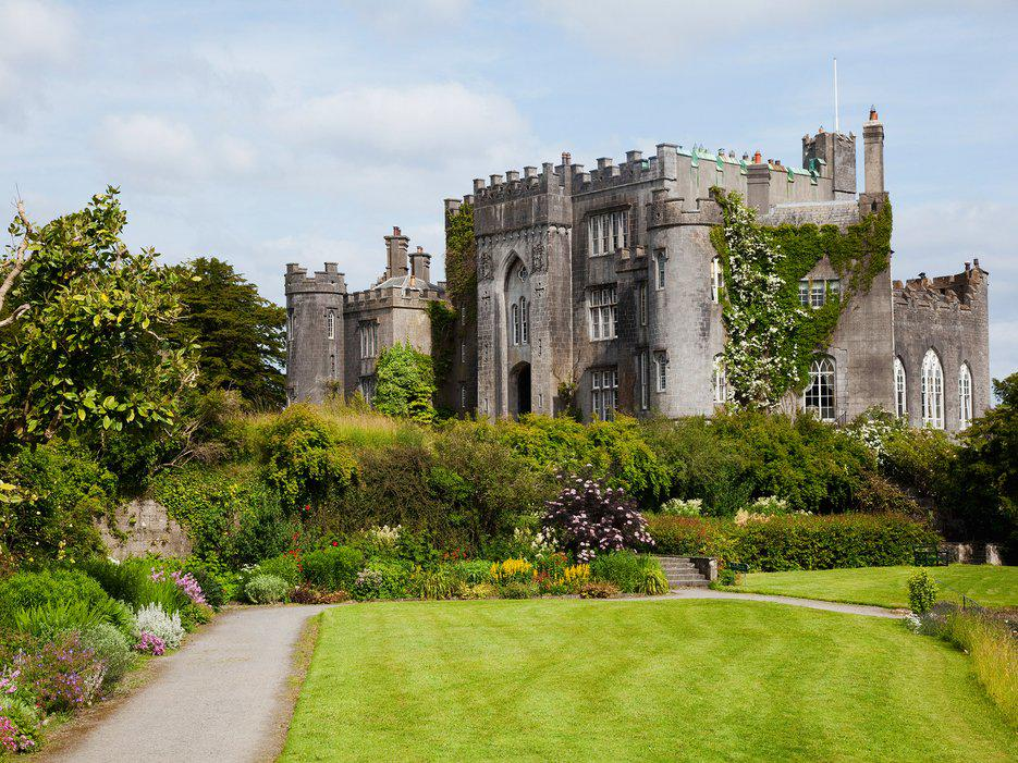 Here's the perfect itinerary for taking a coast-to-coast road trip through Ireland