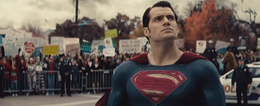 The BatmanVSuperman ComicCon trailer is here�and it's incredible: