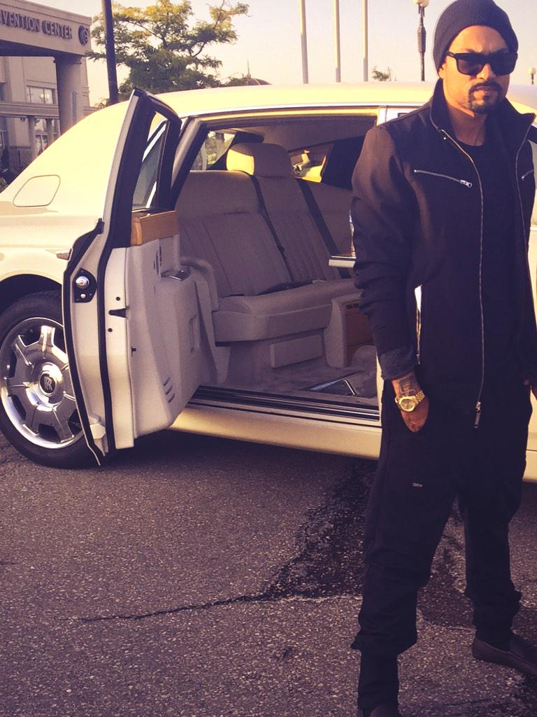 Much love to my bro @RSVPLimo providing transportation for the legend @iambohemia http://t.co/anBKgDRDvv