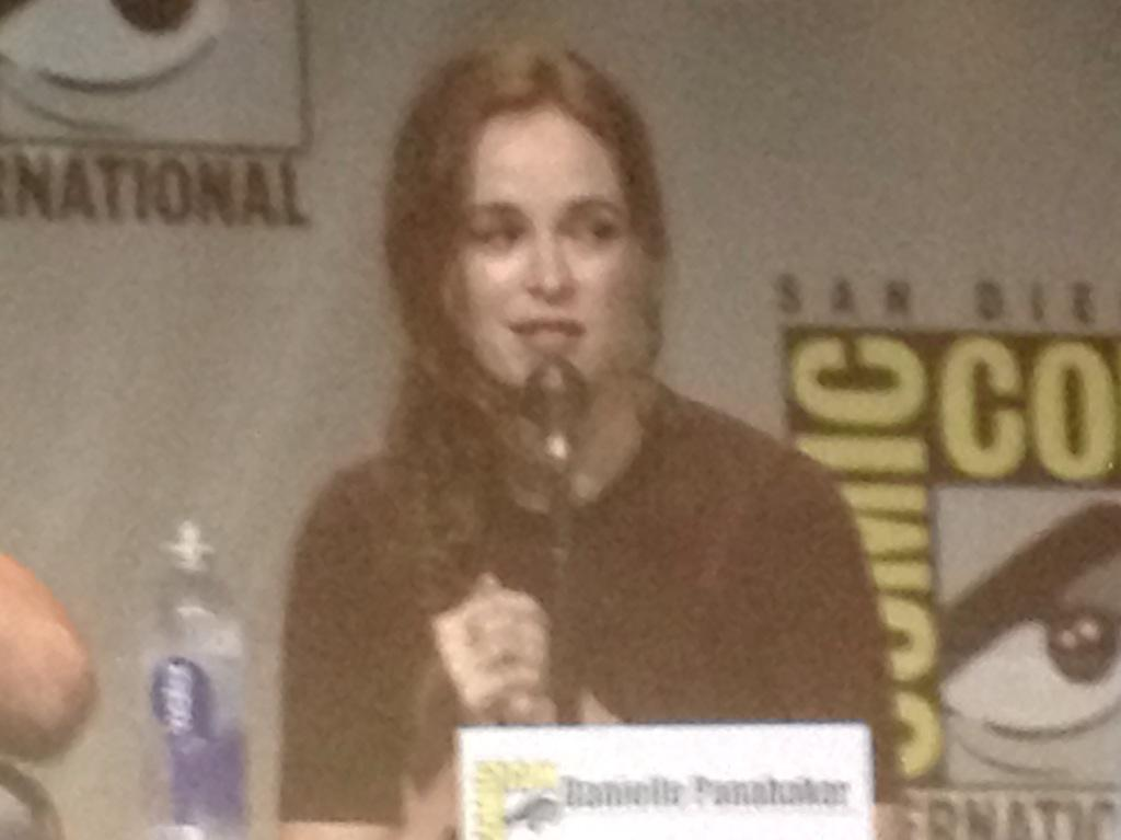 Danielle Panabaker caught off guard by the cheers in the room for Caitlin at Flash panel #sdcc http://t.co/RHw5N4SPmQ
