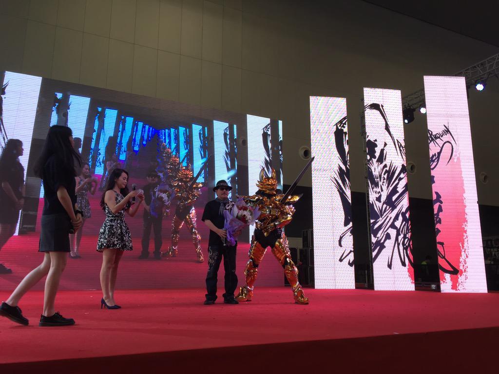 牙狼と雨宮監督in上海‼️ #garo http://t.co/6XDv7eGcDE