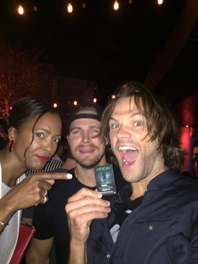 Oh my god we have his room key!!!!!! @amellywood @aishatyler #ComicCon http://t.co/dTG2KjAu8N