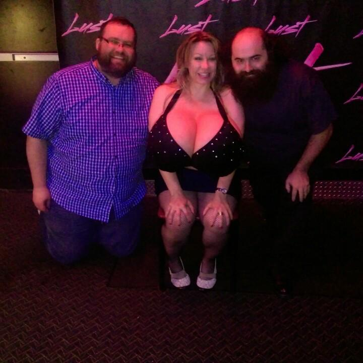 Hanging at Lust with @chelseacharmsx  & @jonahforman http://t.co/sgQjMZtGti
