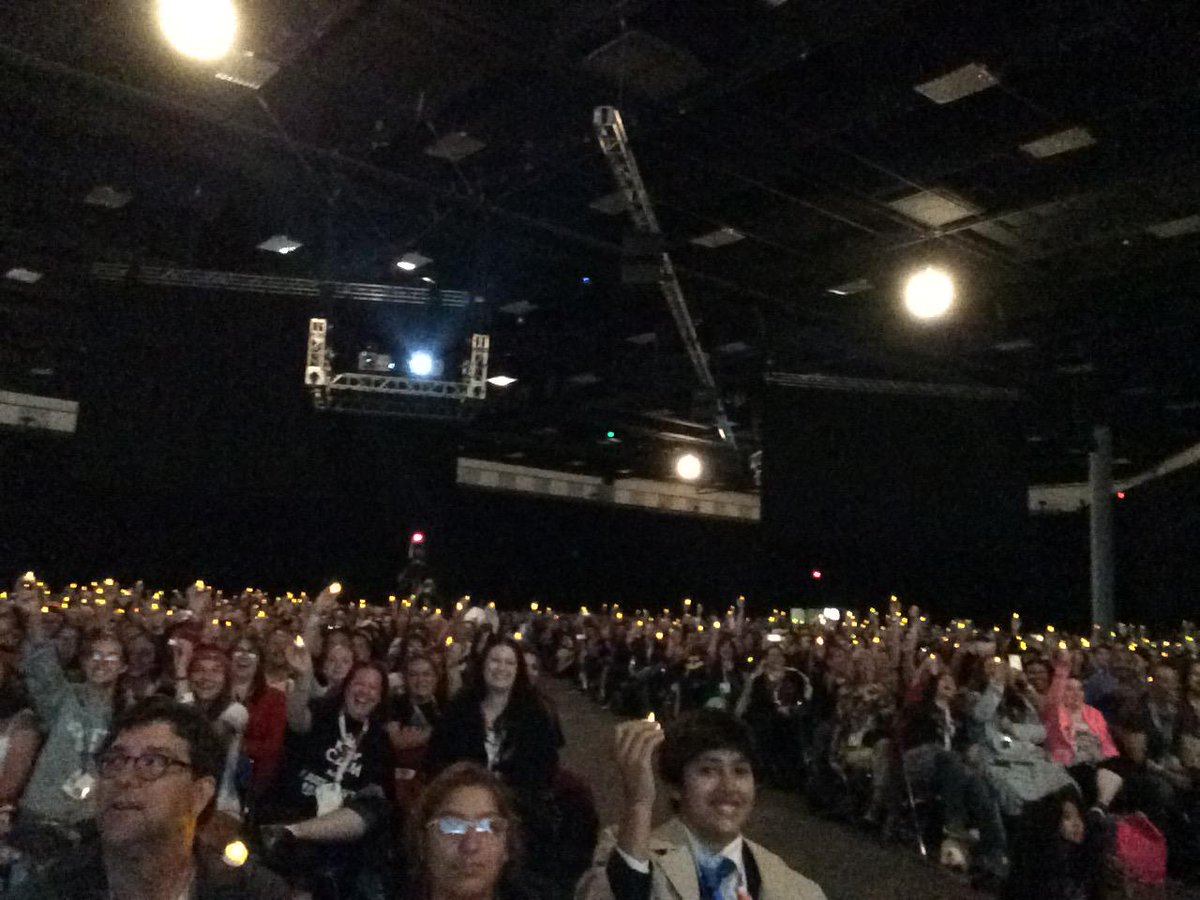 #Supernatural panel at #SDCC supporting #alwayskeepfighting http://t.co/46Hus4qw0g