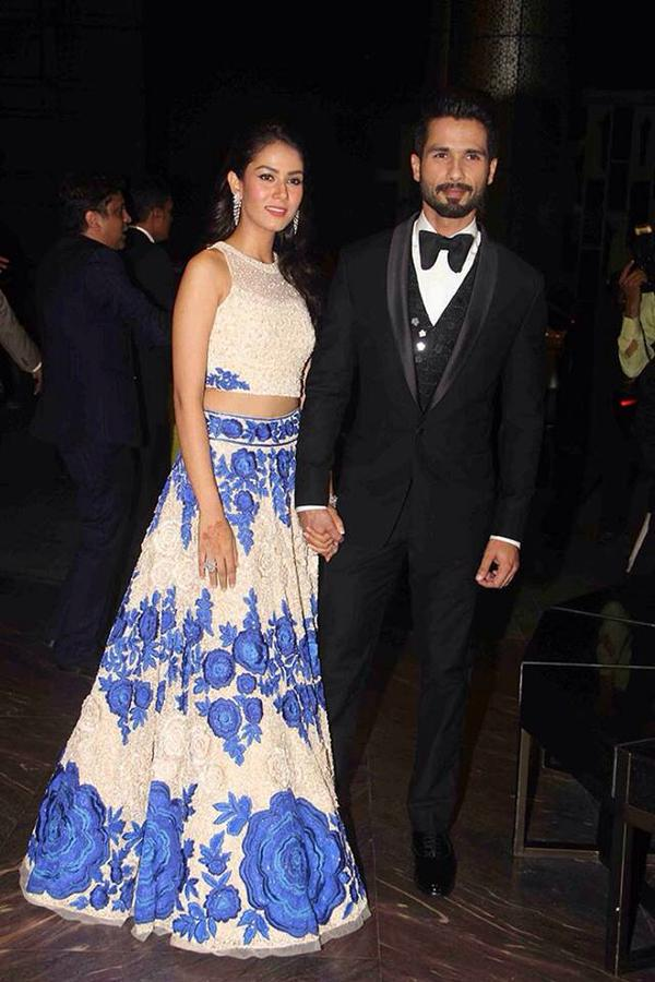 What a couple! #Bollywood @shahidkapoor #ShahidMiraReception #BollywoodWedding #ShahidKiShaadi http://t.co/qZYRQk0wAQ