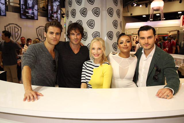 The cast of #TVD at #CWSDCC! http://t.co/bEJkxOIE7N