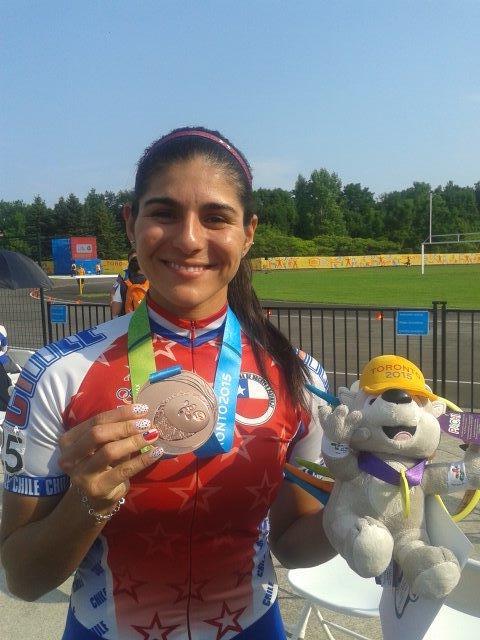 María José Moya y su medalla de bronce @adnradiochile http://t.co/ue7RebWJcL