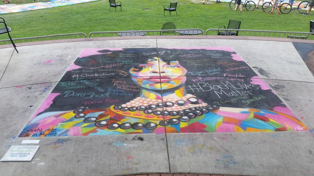 Black lives matter. #ChalkFest #wausau http://t.co/4VxXIBEItM