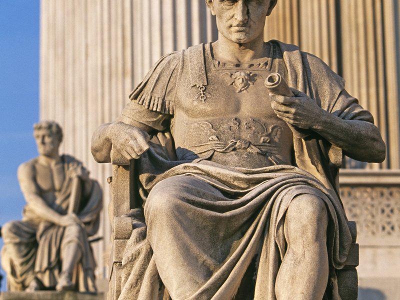 a biography of julius caesar a famous roman dictator