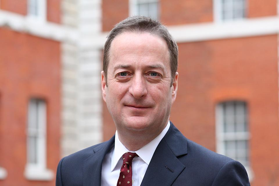Britain's new ambassador to Israel David Quarrey started his posting to Tel Aviv this morning. http://t.co/fjmhlqLOK3 http://t.co/czuSJoqZeJ