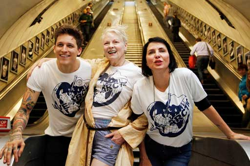 """RT @climate_rev: """"Save the Arctic"""" at Waterloo, London! Greeenpeace & Vivienne highlight Shell's threat. http://t.co/v0krW12Pyh http://t.co…"""