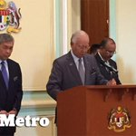 #rombakankabinet PM tiba di bilik sidang media Pejabat Perdana Menteri, Bangunan Perdana Putra. Pix Mohd Husni http://t.co/eliMQxTP6E