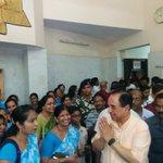 RT @jagdishshetty: Teachers greeting Dr @Swamy39 at Chandrapur http://t.co/vXPQZRP3r8