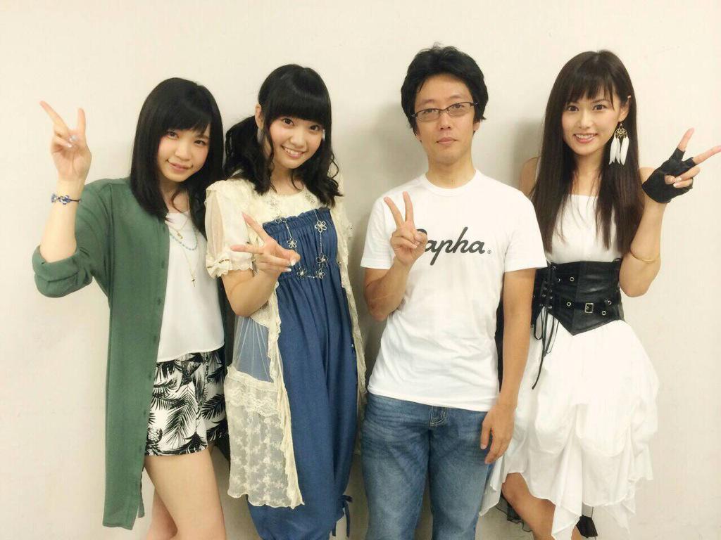諏訪彩花さんとシリーズディレクターの中山さんとTRUEさんで撮りました!!コメット・ルシファーもよろしくお願いします(^