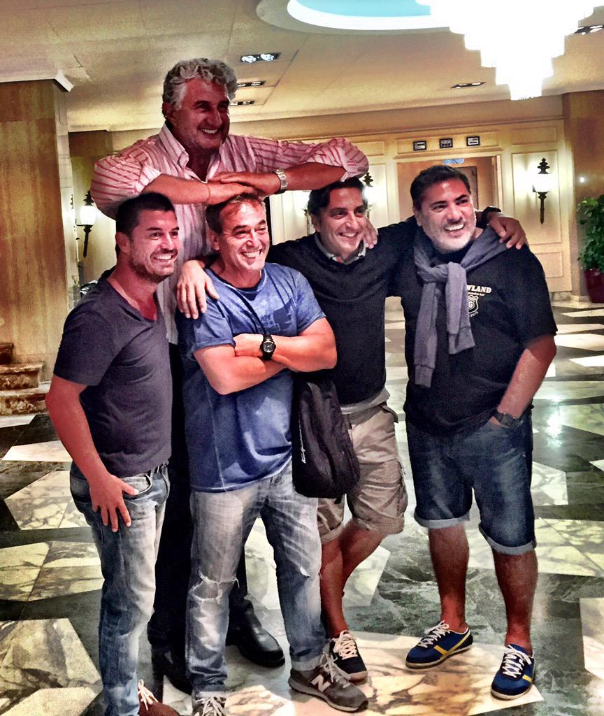 Orgulloso de los amigos que tengo!! Como molan!! @rafahg @fernandoromay1 @portas1969 Morales... http://t.co/6DaDiKdvMA