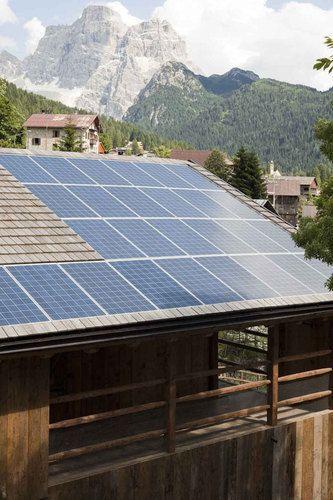 Dakpannen stuk? #Daktip: vervang ze door #zonnepanelen.. @krispijnbeek @Bespaarenergies @energieadviezen http://t.co/dlDqyFB5mj