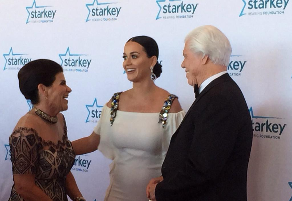 Such a treat to have @katyperry join the #StarkeyGala as tonight's entertainment headliner! Thanks for your support! http://t.co/XJzkqWY1Dy