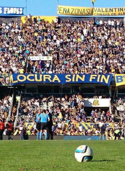Ooootra vez ganó #RosarioCentral el clásico de la Ciudad. Esta vez 1-0 de visitante. #4AlHilo http://t.co/XKfe1MUeaa
