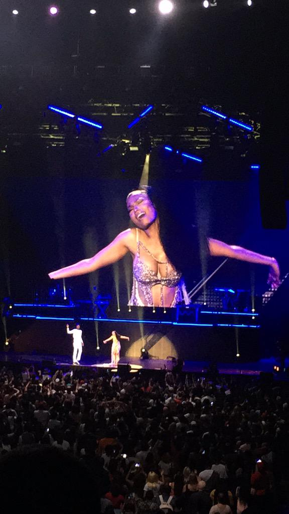 RT @SvmmieMinvj: Me @ this being over #BestConcertEver #BarclaysCenter #ThePinkprintTOUR #Omeeka http://t.co/0AmKBzQUOP