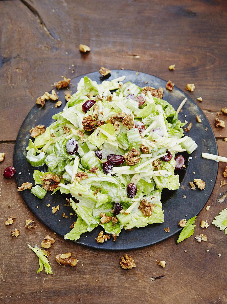 #Recipeoftheday Waldorf salad with roasted grapes & a light yoghurt dressing #MeatFreeMonday http://t.co/Lxfe4DeXAB http://t.co/wblVWvHZQu