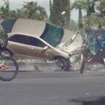 Impactante campaña muestra por qué no debes hablar por celular en el auto http://t.co/LRYVXczLXp http://t.co/NHdolK2K8L