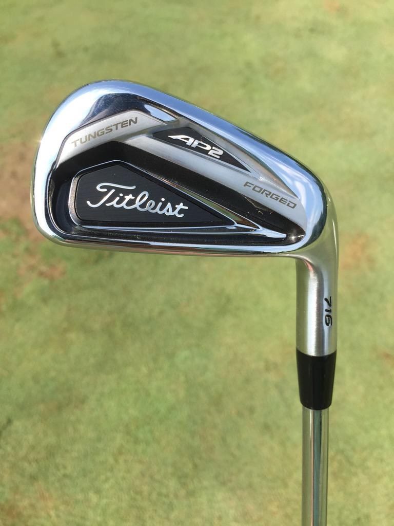 Couple photos of @Titleist's 716 TMB and AP2 irons that debuted at @QLNational. http://t.co/9PuSVDzzDm