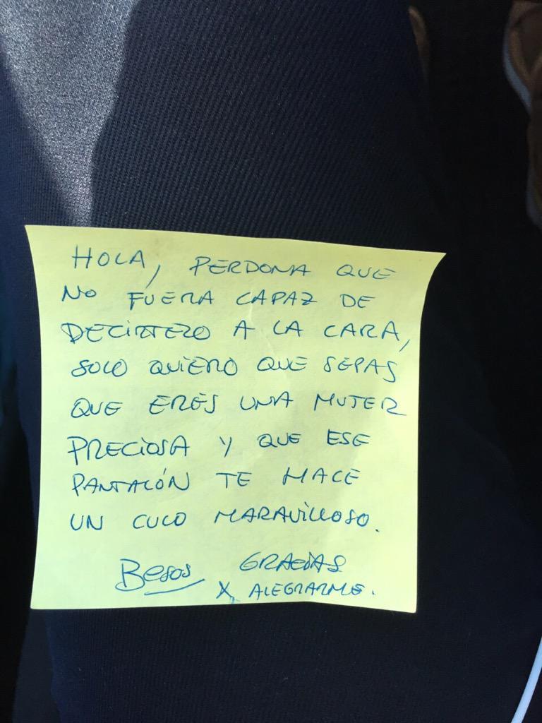 Hoy le han dejado esto en el coche a mi amiga Lucia... El que lo escribió ya me cae bien... http://t.co/SYaTTUqCSq