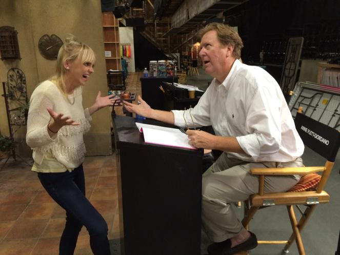 Season Three begins!!! @AnnaKFaris @jaswidd  @MomCBS http://t.co/4UwqeJ20Te