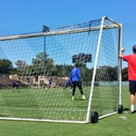 PIC: Louis van Gaal keeps a watchful eye on training from behind Sergio Romeros goal. #MUtour http://t.co/2zlr4zLeP0