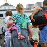 """Berliner Forderung: Bund soll für Flüchtlinge """"Pro Kopf""""-Zuschuss zahlen http://t.co/cciLoeGFYn http://t.co/4mFWQ9qBKi"""