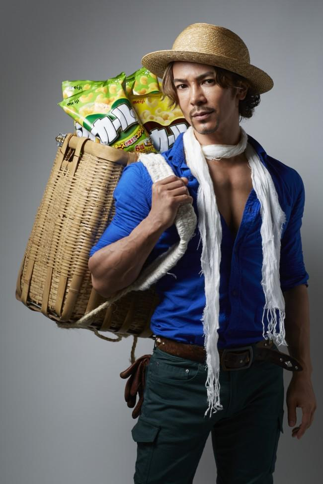 武田真治、実写版カールおじさんに! 麦わら帽子に青シャツ姿が似合いすぎる #武田真治 #トレンド http://t.co/fOKx018lTb http://t.co/2txhlVdkbC