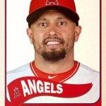 Welcome to the family, @ShaneVictorino! #Angels #FlyinHawaiian http://t.co/tArOl55G1k