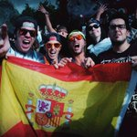 Me acaban de pasar esta foto unos españoles majos que nos encontramos en Tomorrowland y... Mangel pls xDDD http://t.co/jqwsyzjzmd