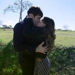 """yo quiero un beso de el. http://t.co/M08iG0t2ud … #BesoTomanza @laliespos http://t.co/HIw8YMjYXs"""""""