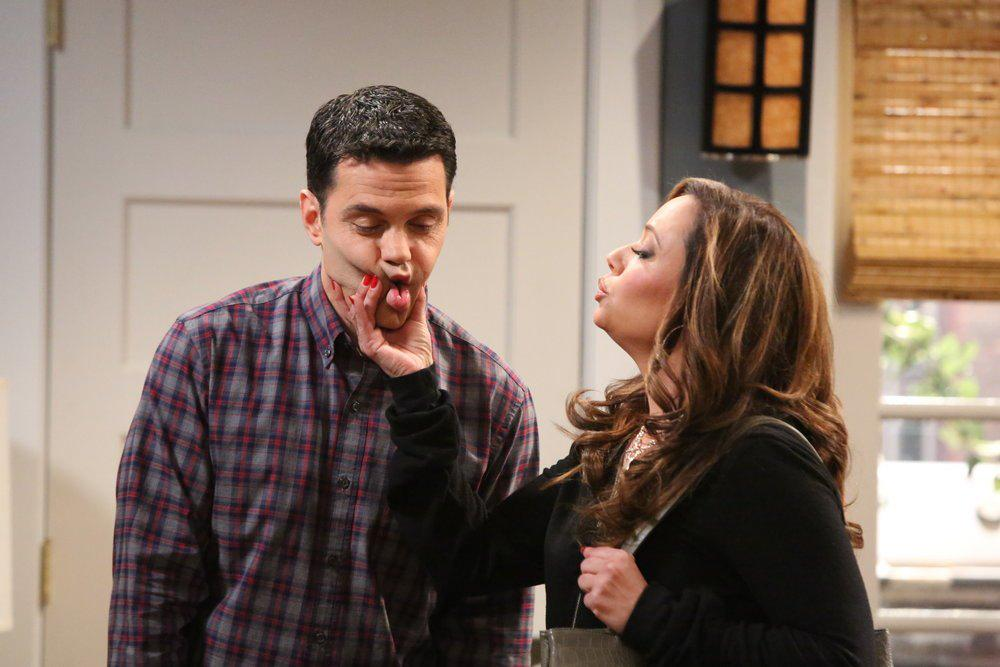 Oh look who's on @tvland after @The_Exes , why it's @LeahRemini who's show #itsallrelative is back on #LeahTLC ! http://t.co/MmuhywGvsf