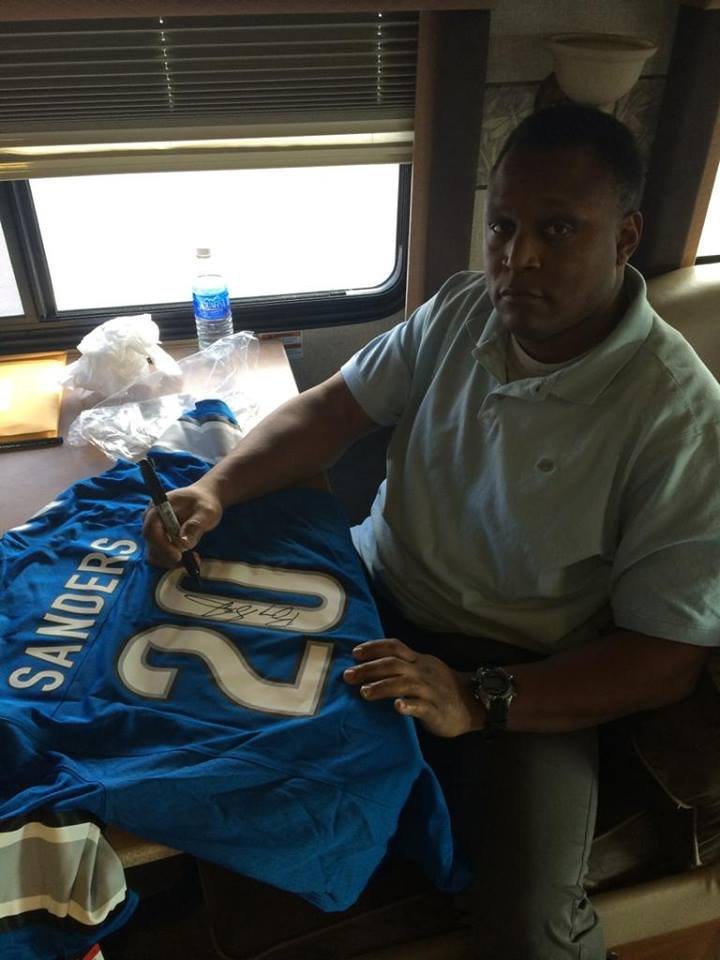 Fav & RT this tweet for a chance to win this signed jersey! Thank you for all the birthday wishes today! http://t.co/pShu8G0DDr