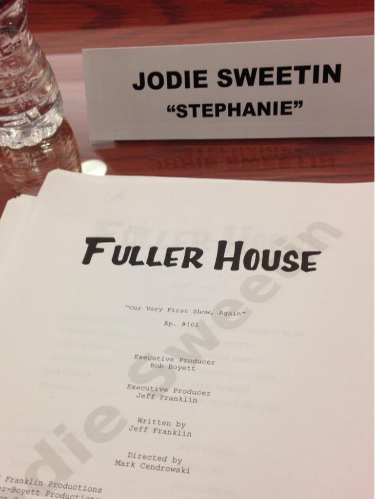 Woo hoo!! Table read time!! @bobsaget @candacecbure @andreabarber @DaveCoulier @LoriLoughlin @JohnStamos http://t.co/b1w35pARt1