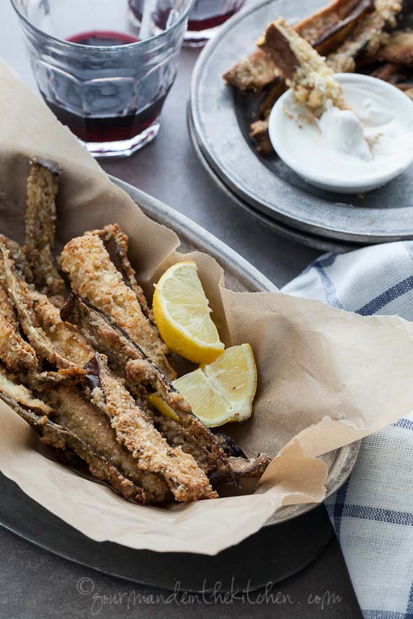 Lightly golden eggplant fries with deliciously creamy insides: http://t.co/sfptoHBGpB http://t.co/axjdS6w5FI
