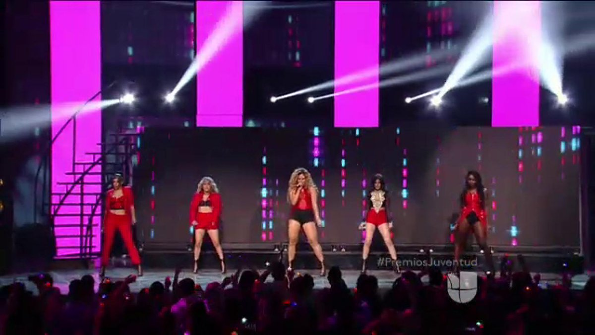 Yessss!! RT if you were waiting for @FifthHarmony ALL NIGHT!! #PremiosJuventud http://t.co/LvQPX55fbD