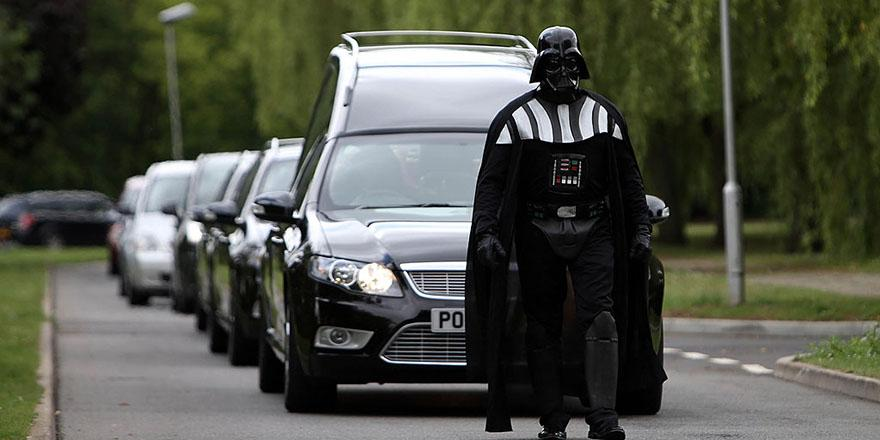 This woman loved Halloween so much that her funeral included Darth Vader and Beetlejuice
