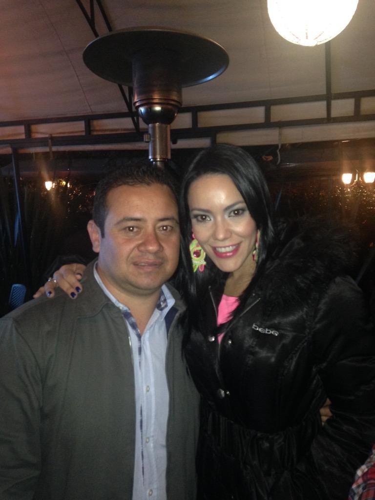 @fabianaochoa bonita y espectacular cantante http://t.co/iLU2UWV98z