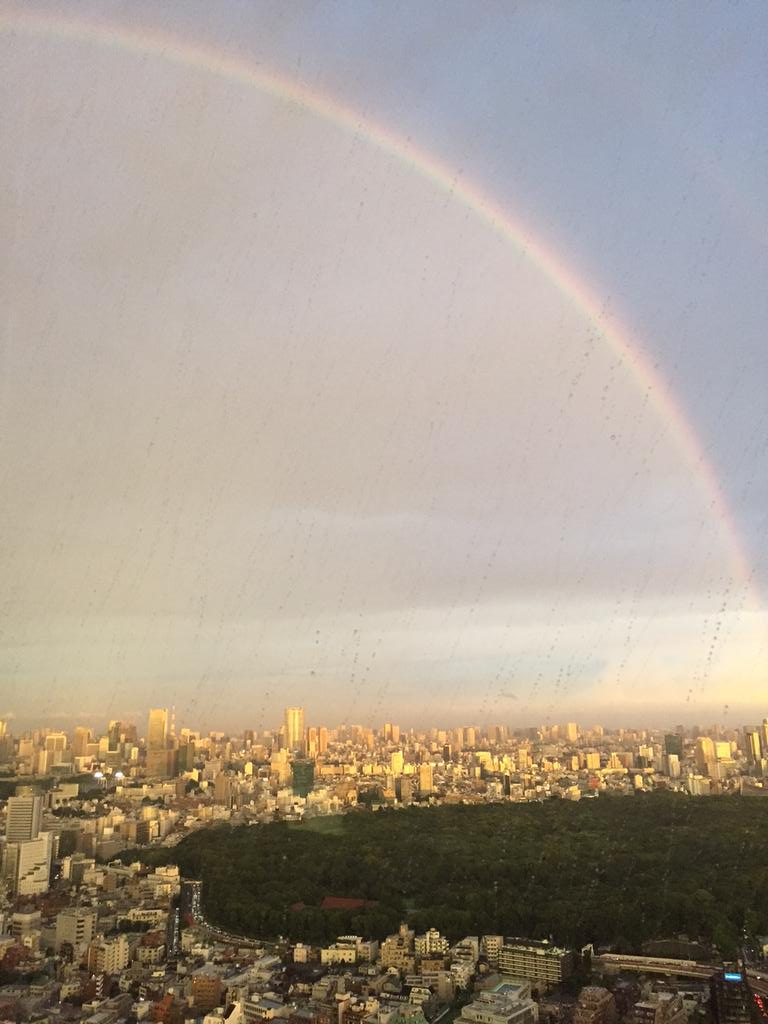 Weekend rainbow over the city of Tokyo! http://t.co/sDChEOEGZN