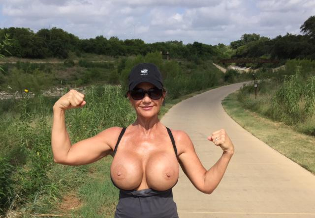 getting some sun on my boobs during my walk. http://t.co/GQ0wck3ImV