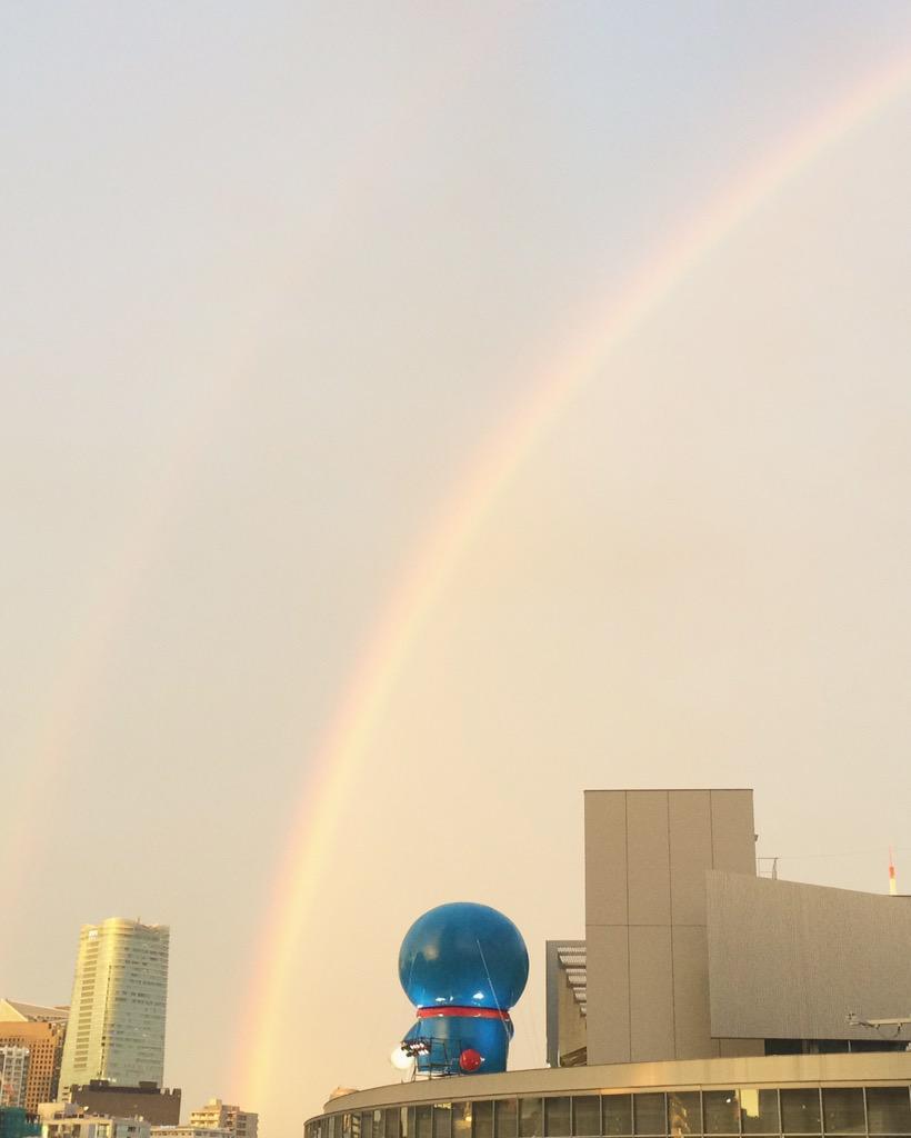 今日、ドラえもんが 虹を見ていました。 http://t.co/D8KWWLs4v8