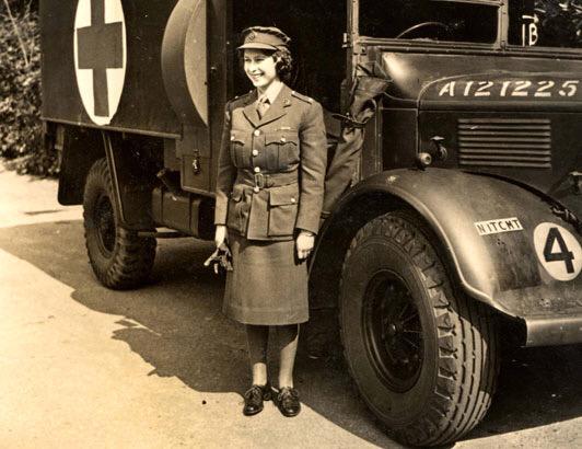 The Queen, a little older than seven. http://t.co/cHrcs1pGXn